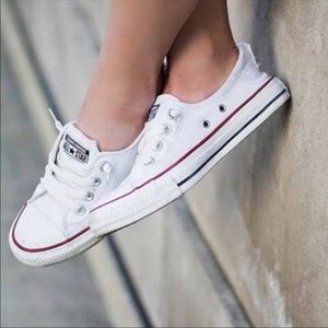 CONVERSE 🌟 WHITE SNEAKERS